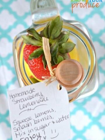 Homemade Strawberry Lemonade DIY Summer Gift Giving