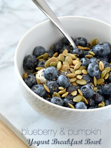 Greek Yogurt Breakfast Bowl with Blueberries and Pumpkin Seeds is I consider a healthy breakfast. The tangy greek yogurt, the sweet blueberries, nutty pumpkin seeds with a hint of salt equal the perfect combination for a breakfast bowl. Also has chia seeds and ground flaxseed for added omega 3s!