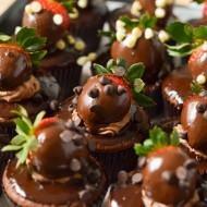 Vegan Chocolate Ganache with Chocolate Covered Strawberry Cupcakes