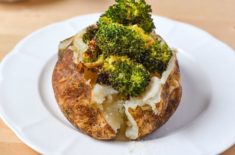 Broccoli Alfredo Stuffed Baked Potato Recipe with perfectly Roasted Broccoli and a creamy and rich alfredo sauce
