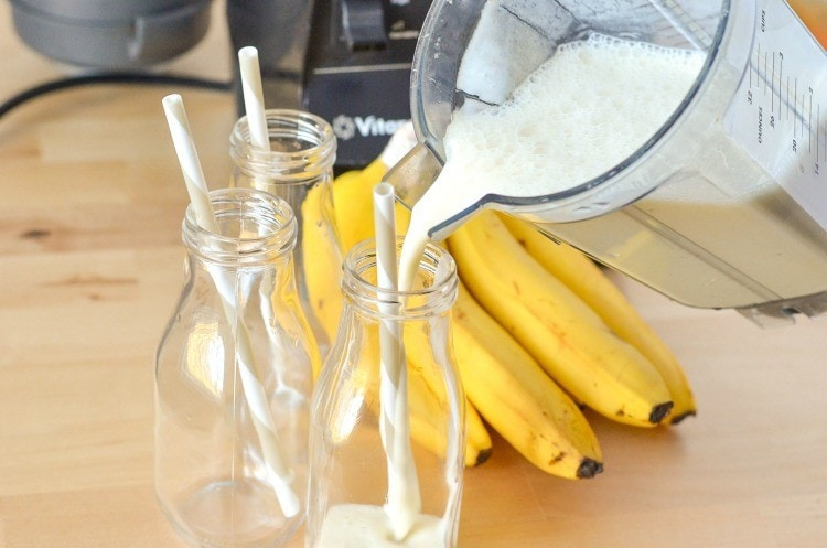 Banana Smoothie with Yogurt Breakfast Smoothie