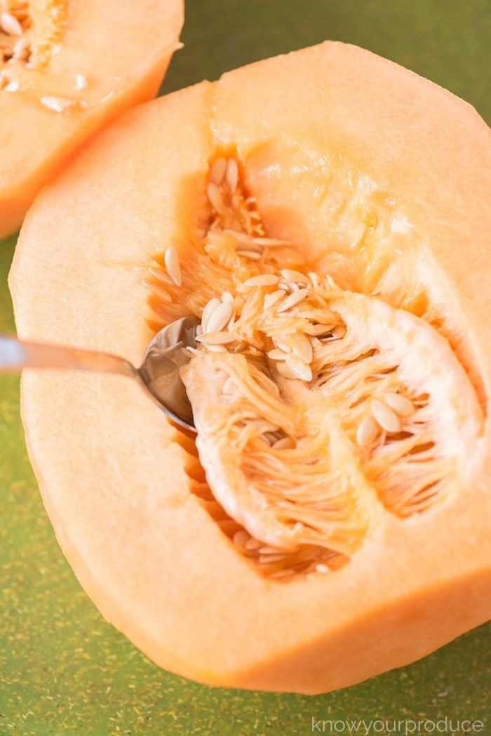 how to cut a cantaloupe scooping out seeds