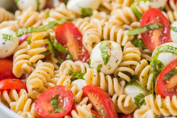easy caprese pasta salad