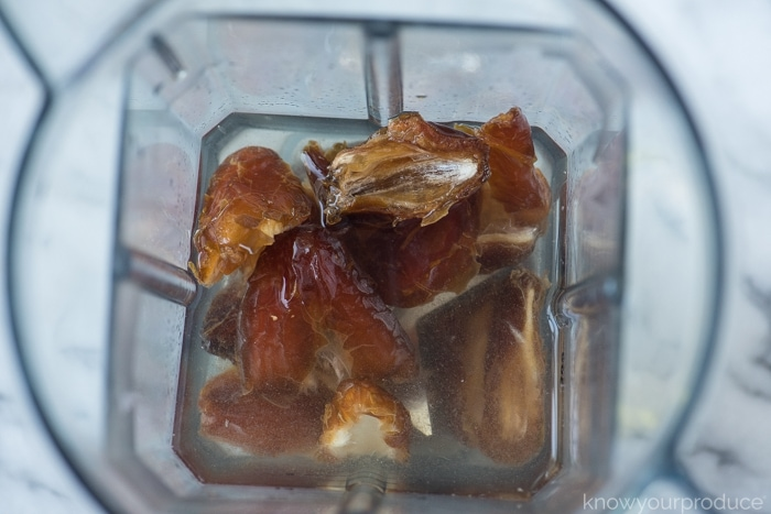 dates soaking in a vitamix to make date syrup