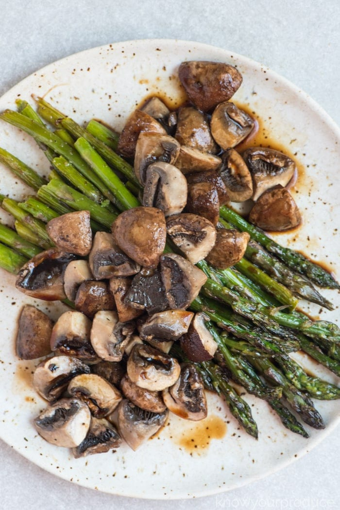 roasted asparagus and mushrooms with balsamic vinegar